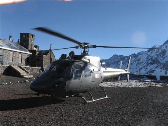 正文       直-11直升机由昌河飞机工业集团公司和中国直升机设计研究