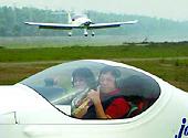 购买私人飞机对中国人不是问题:不要炫富飙机