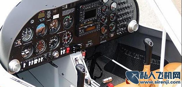 DA20-C1日食双座-机舱内饰_1