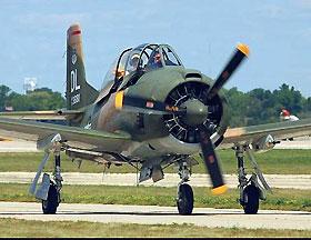 北美 T-28D型教练攻击机