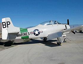 北美 T28B型教练攻击机