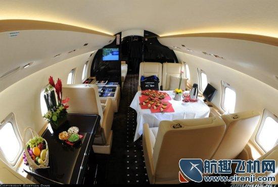 图揭私人飞机豪华内饰 飞一次成本五六十万