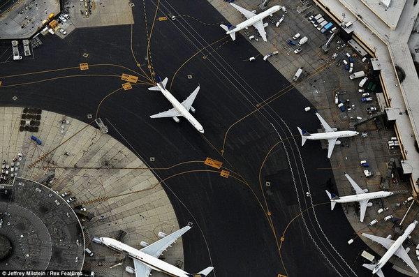 直升机和直升飞机_乘直升机俯瞰美国机场壮美景观_私人飞机网