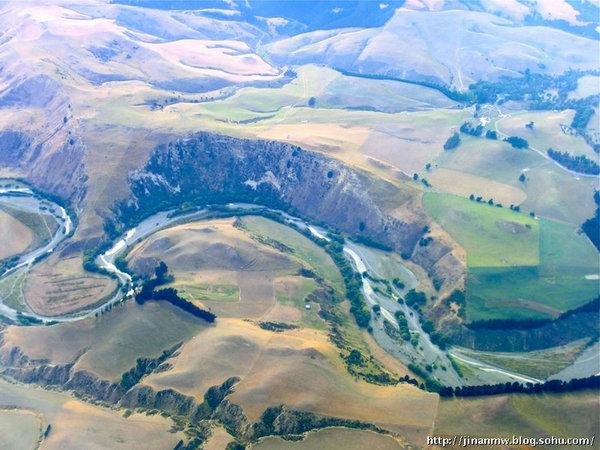 青岛阡陌网_私人飞机上鸟瞰新西兰秀美大地_私人飞机网