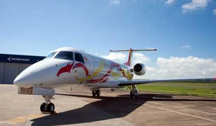 成龙乘坐莱格赛650私人飞机空降合肥