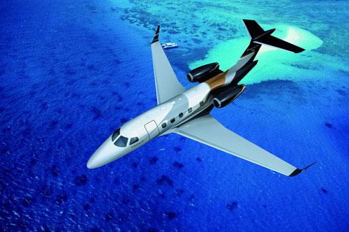 飞行高度达45000英尺的远程飞机:飞鸿300