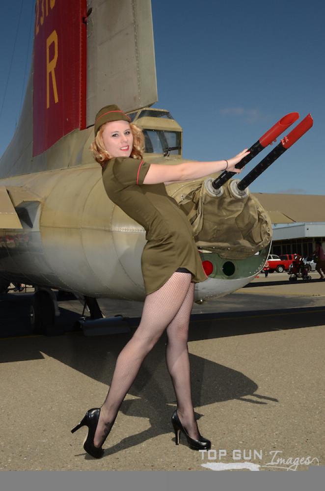 新闻资讯_大胆模特爆乳丝袜出境-私人飞机网