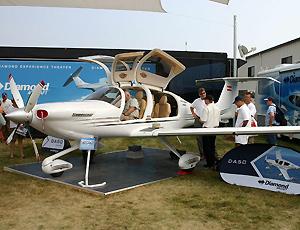 DA50私人飞机 用碳纤维材料制成 可烧柴油